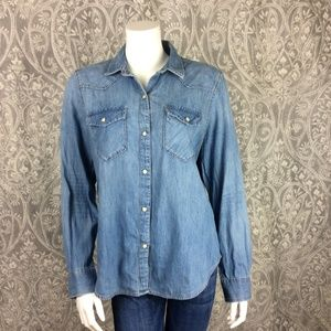 Gap Chambray Denim Button Down Vintage Style Top
